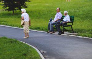 Pourquoi la maladie d'Alzheimer est elle plus fréquente chez les femmes?